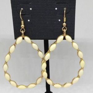 Earrings Ivory Beaded Teardrop Dangle Pierced 1279